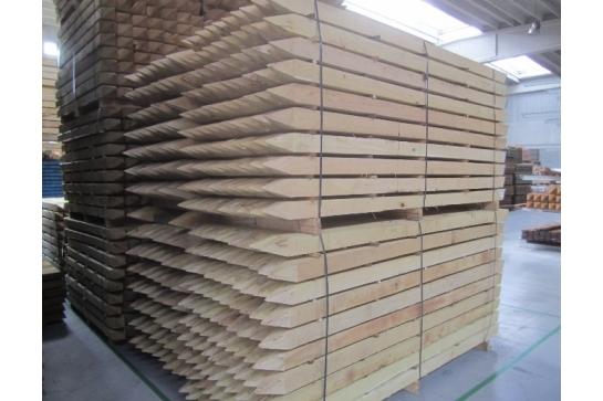 Piquet carré et pointé en Acacia Robinier en 50x50 mm longueurs  de 2,00m
