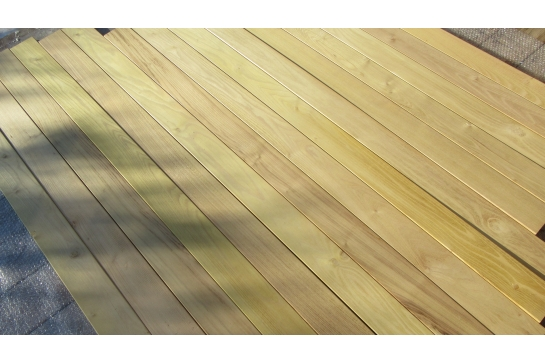Lame de Terrasse Acacia 27 x 145