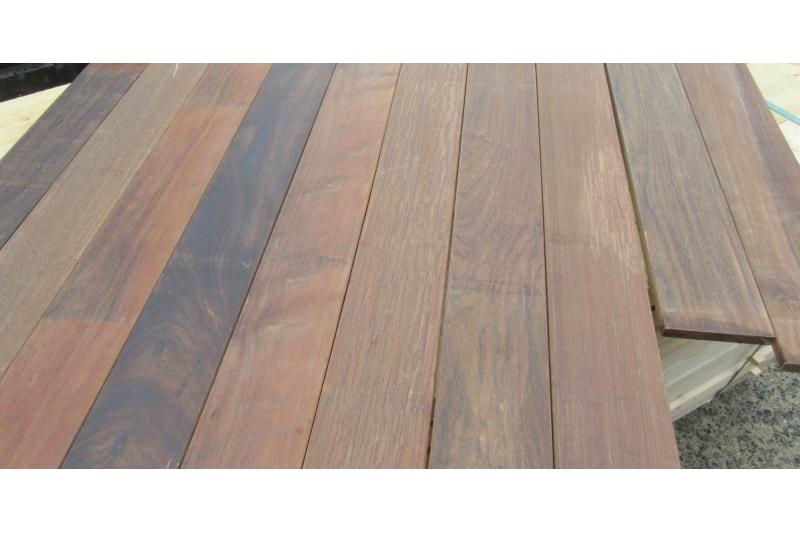 terrasse bois exotique ip en 20mmx140mm longueurs mixtes battlewood. Black Bedroom Furniture Sets. Home Design Ideas